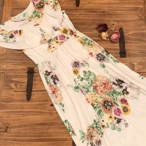 Reborn J | Floral Maxi Dress